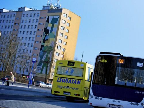 Pętla autobusowa. Osiedle Azory. Tramwaj na Azory jest obiecywany od bardzo wielu lat. Ludzie upominają się też o parkingi na Azorach.