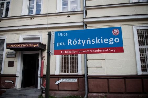 Prawdziwe miasto w mieście. Jest tu nawet wewnętrzny system nazewnictwa ulic. Fot. Jakub Włodek.