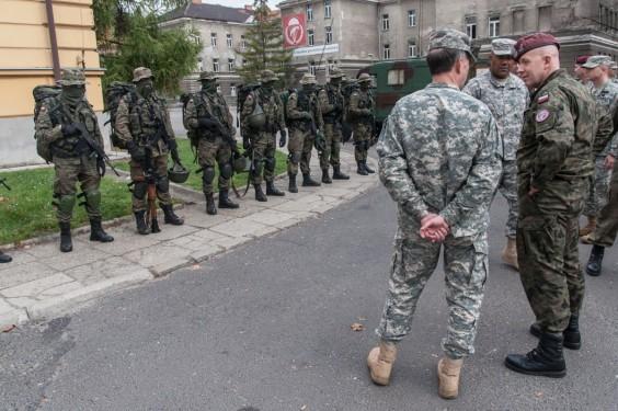 Wizyta z USA na Wrocławskiej. Polscy komandosi mają za oceanem dobrą opinie. Fot. Jakub Włodek.