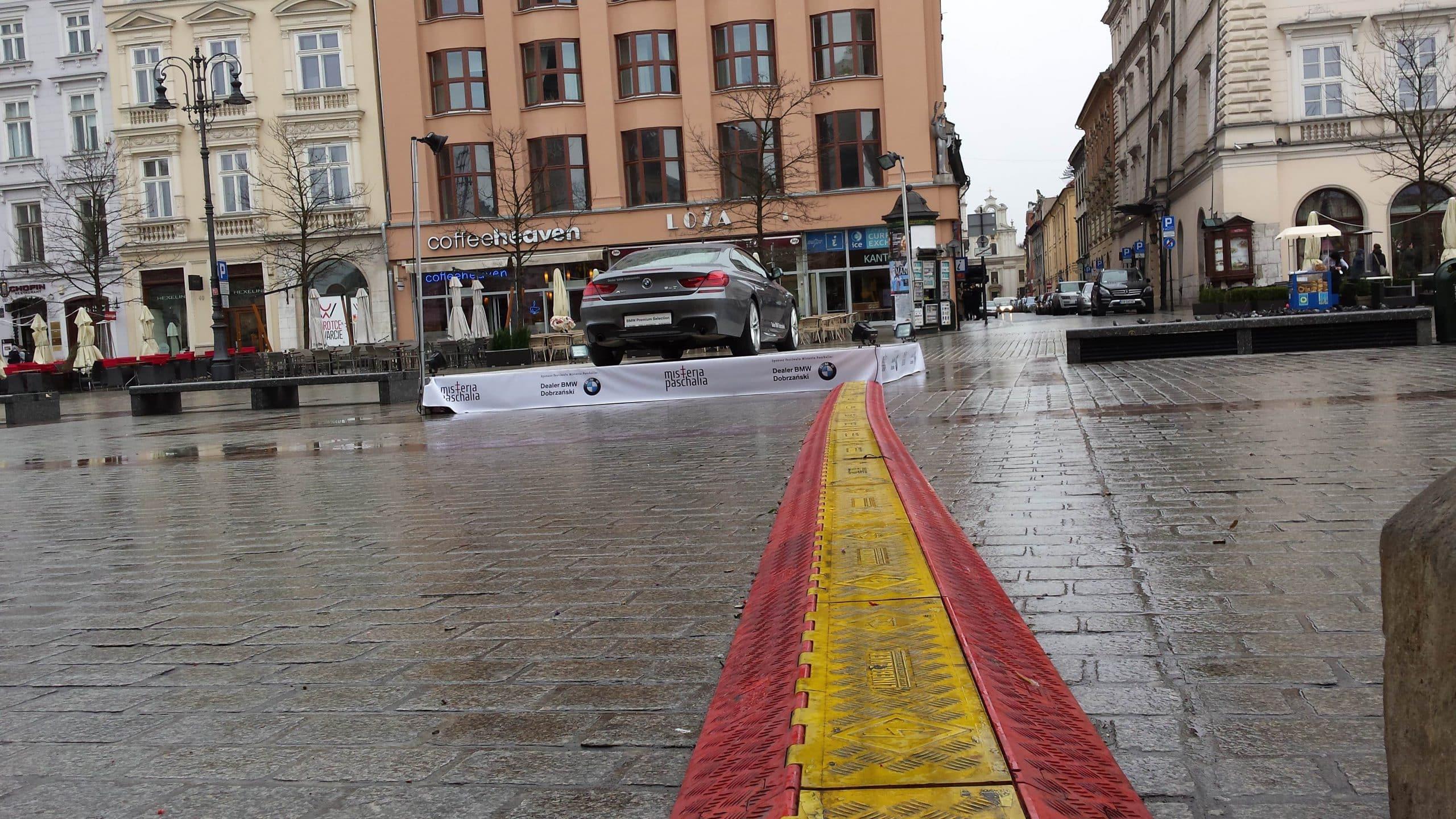 Nić Ariadny. Rynek Główny Kraków.