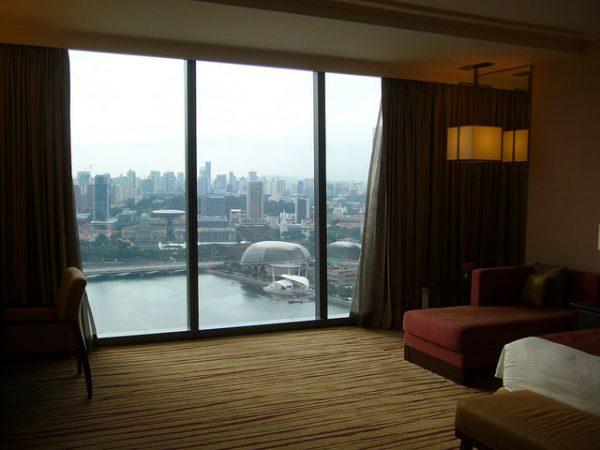 Widoczki z hotelowego okna. flickr.com/Oikawa (CC BY-SA 2.0)
