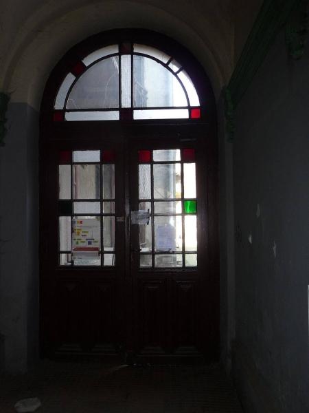 Drzwi wewnętrzne domu przy ul. Czystej 15 (fot. Leszek Grabowski)