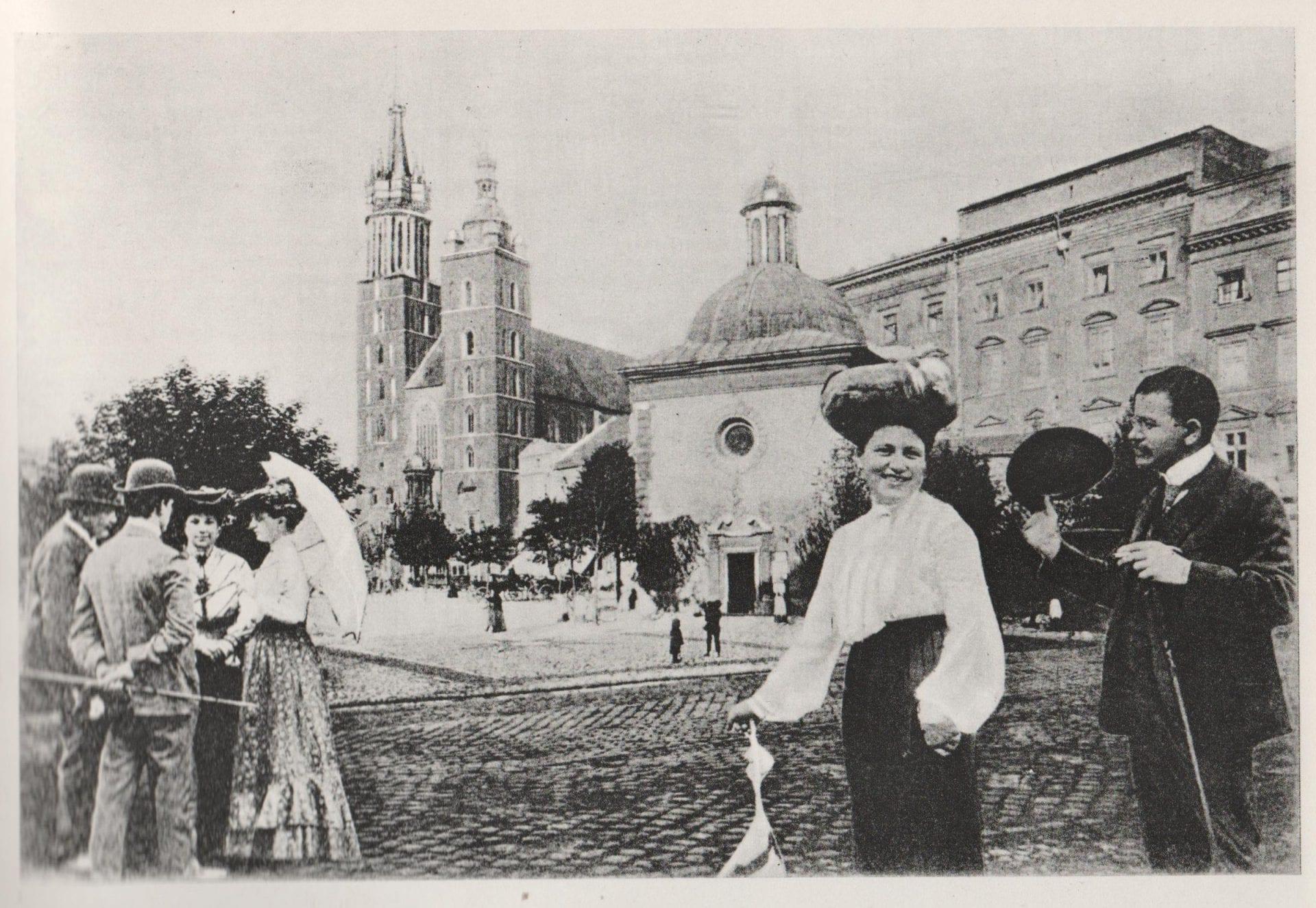 Rynek Główny w Krakowie przed I wojną światową. Źródło: Lenin w Krakowie.
