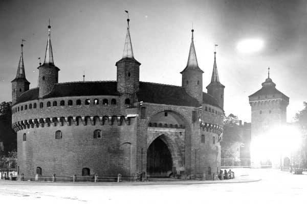 Krakowski Barbakan Wóz Drzymały