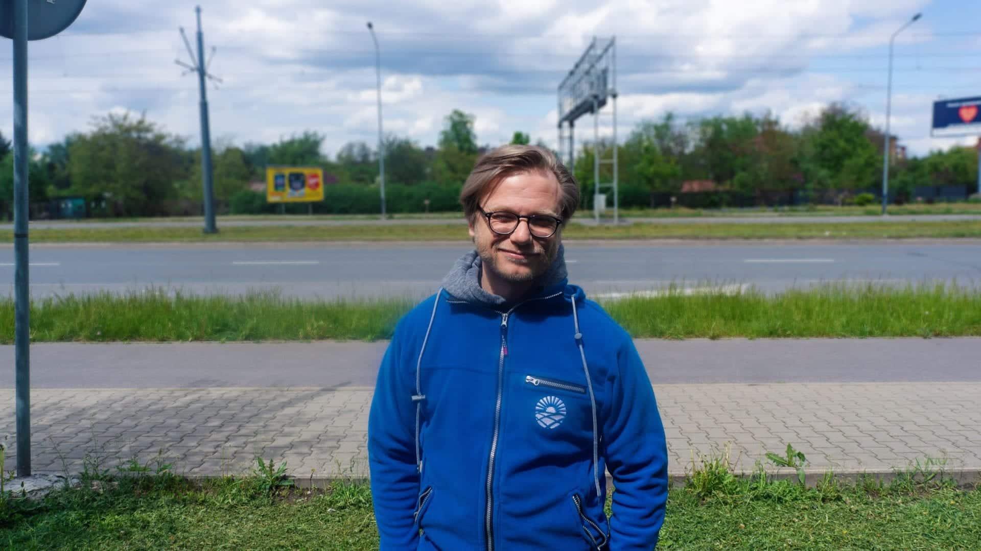 Michał Sułowski z LMV Group opowiada, jak zrobić eletrownię słoneczną na bloku lub kamienicy. fotowoltaika na bloku