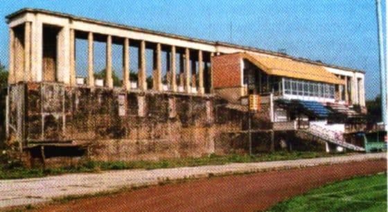 Stadion Wisły Kraków. Remont. Lata 90. XX wieku