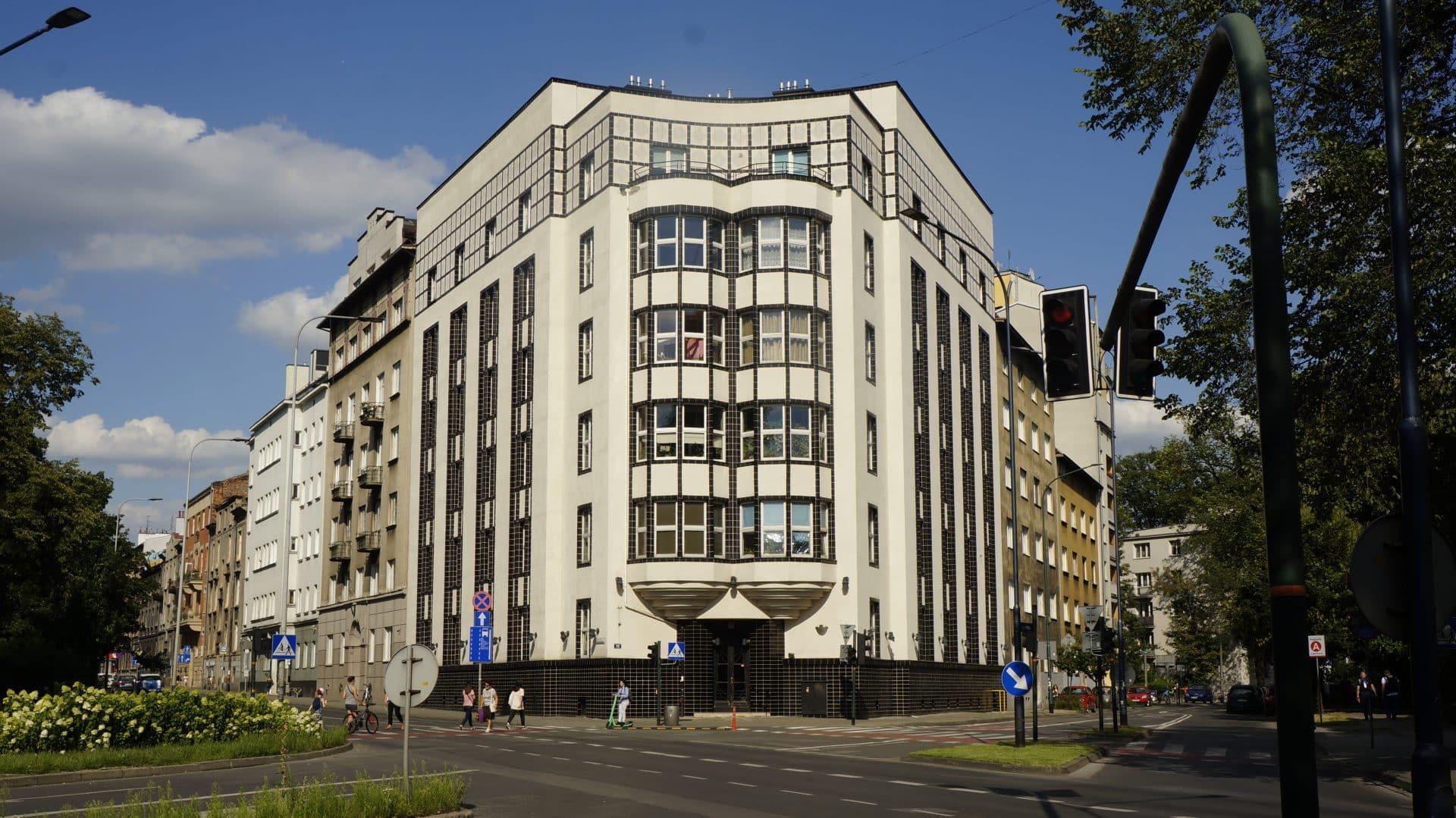 Dom profesorów Uniwersytetu Jagiellońskiego przy alei Juliusza Słowackiego 15. Tutaj Rudolf Weigl mieszkał w początkowym okresie pobytu w Krakowie.