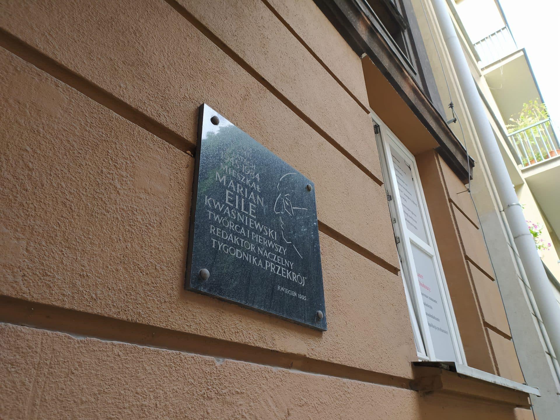 Marian Eile w Krakowie mieszkał przy ulicy Małej. A później także na Krowodrzy.