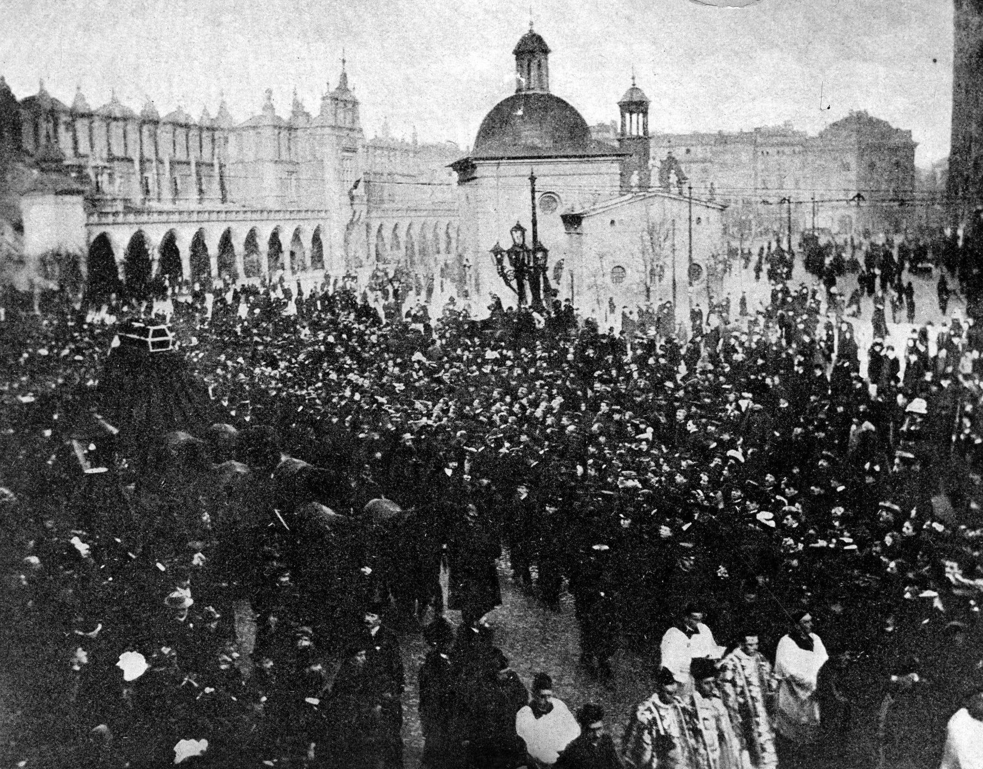 Kondukt pogrzebowy Stanisława Wyspiańskiego. 1907 rok. Fot. NAC.