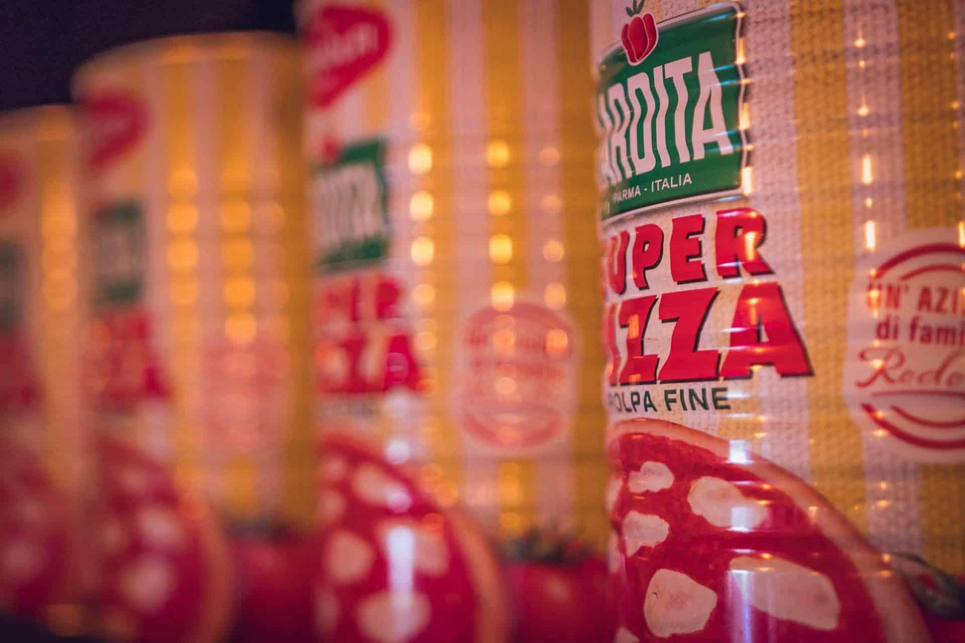 Maciej Twaróg, Trattoria di Bufala: w karcie znajdziesz dużo pomidora dojrzewającego w Kampanii, bo używamy tylko takich i do kremu takich, które dojrzewają w Apulii. / Pizza, Nowa Huta