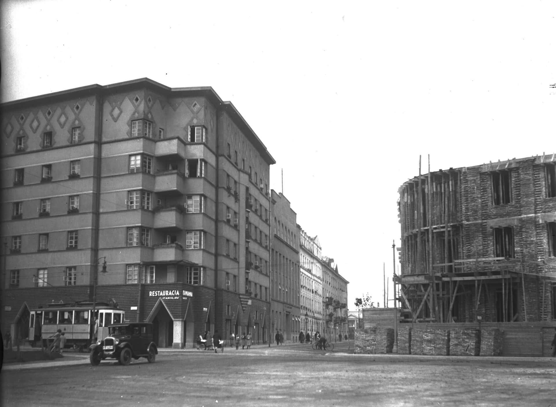 1930 rok. Plac Inwalidów w budowie. Źródło: Narodowe Archiwum Cyfrowe.