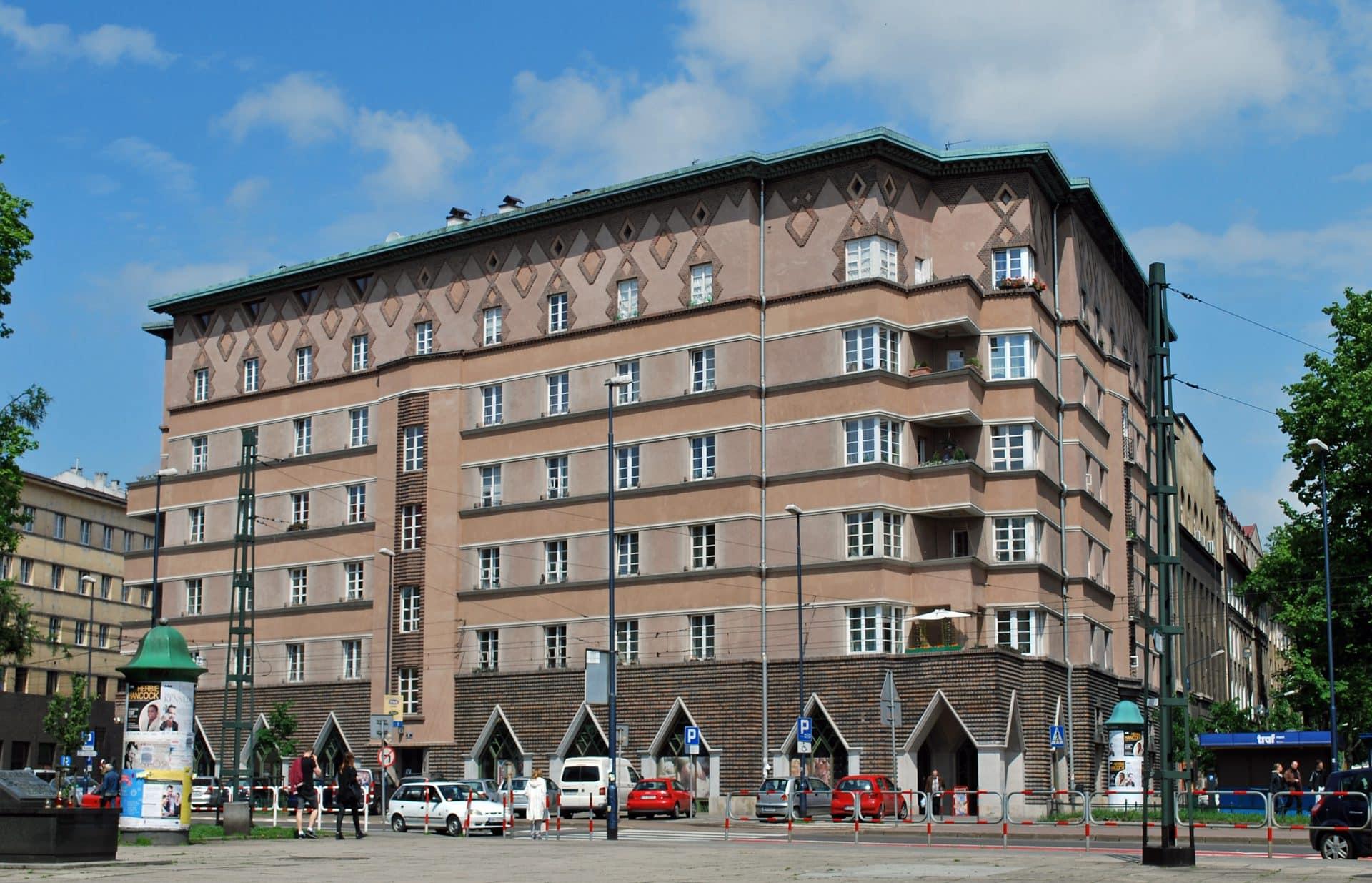 Autorem projektu budynku, który znajduje się pod adresem Plac Inwalidów 6 był Wacław Nowakowski. Fot. Zygmunt Put/Wikimedia.