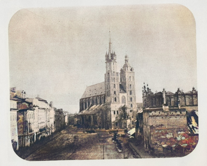 """Rynek Główny w pierwszej połowie lat 60. XIX wieku. Źródło: Wanda Mossakowska, Anna Zeńczak, """"Kraków na starej fotografii""""."""
