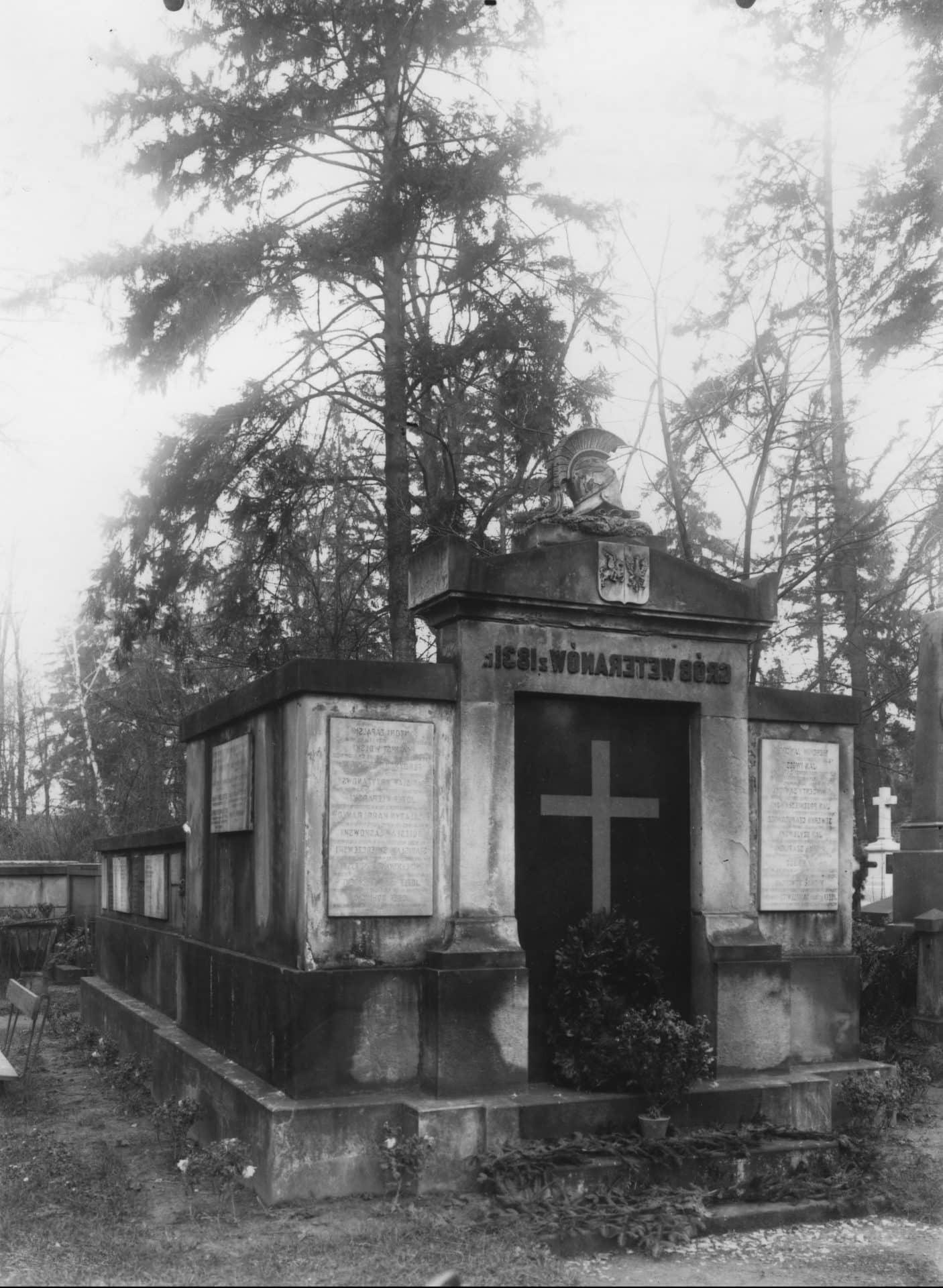 Grób weteranów 1831 r. Cmentarz Rakowicki w Krakowie. 1928 r. Źródło: NAC.