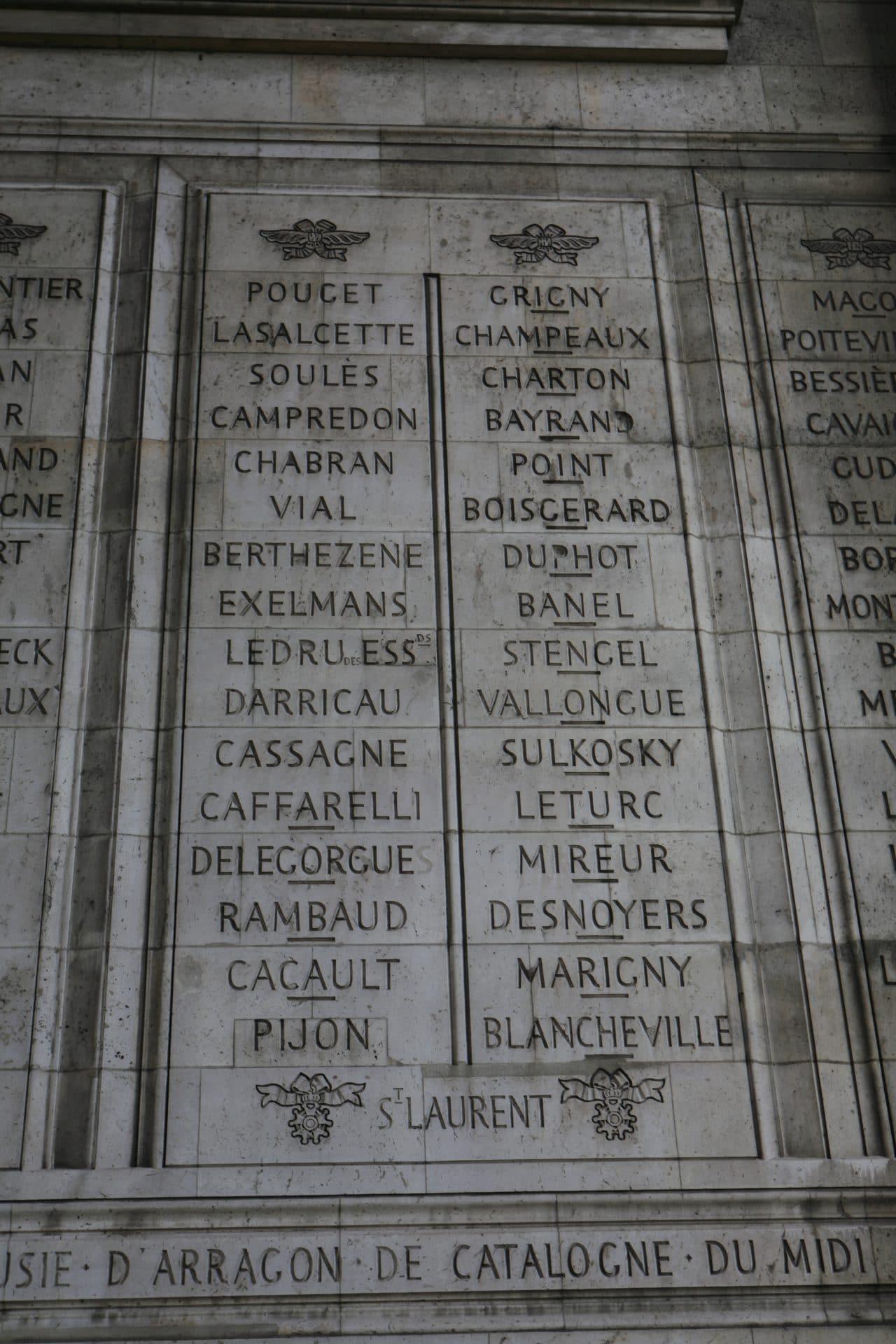 Nazwisko Józefa Sułkowskiego można znaleźć na Łuku Triumfalnym. Fot. Rama/Licencja CC.