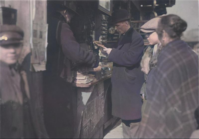 Kercelak w 1927 roku. Sprzedaż owoców. Źródło: Narodowe Archiwum Cyfrowe.