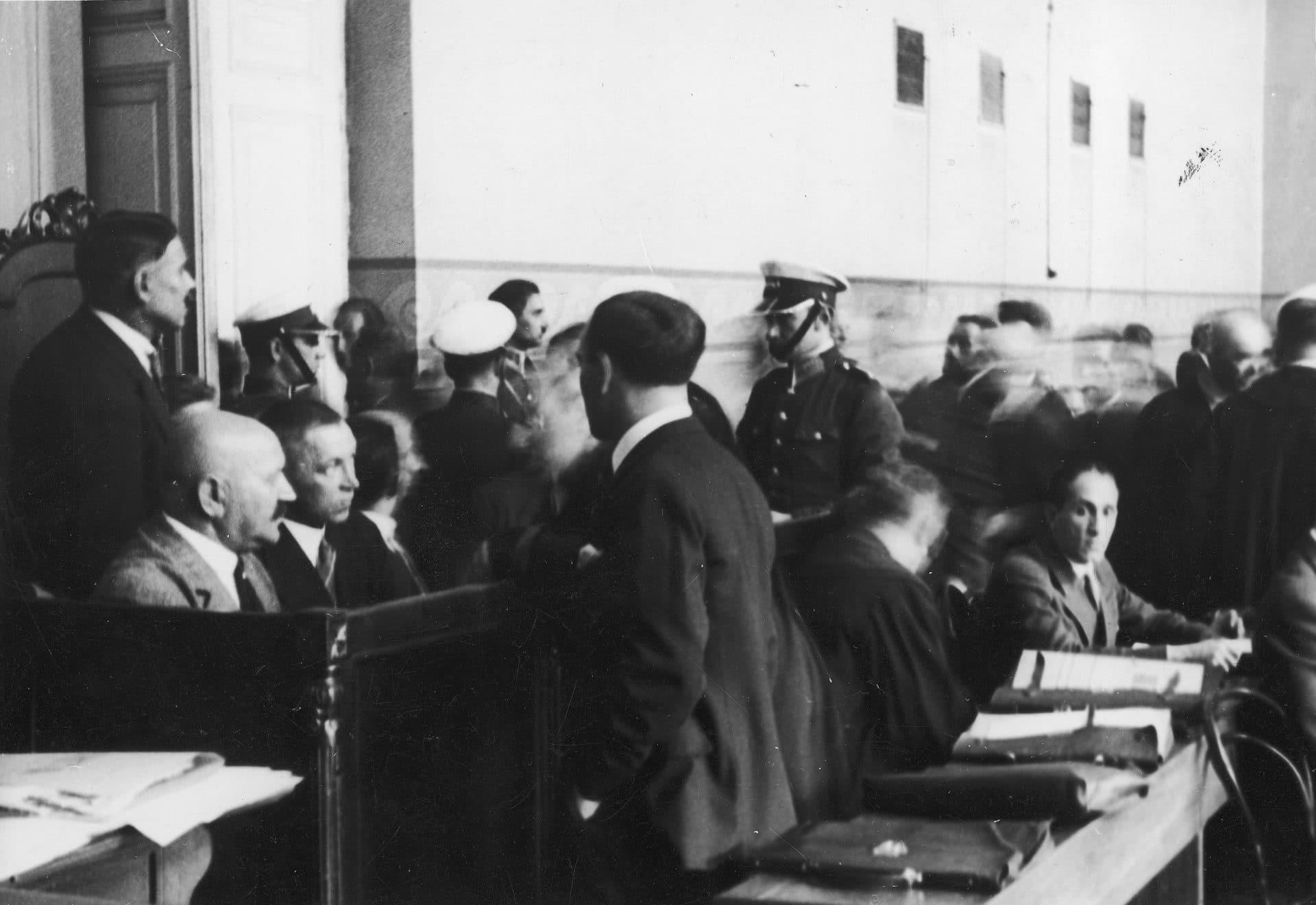 Proces grupy Taty Tasiemki w 1932 roku. Źródło: Narodowe Archiwum Cyfrowe.