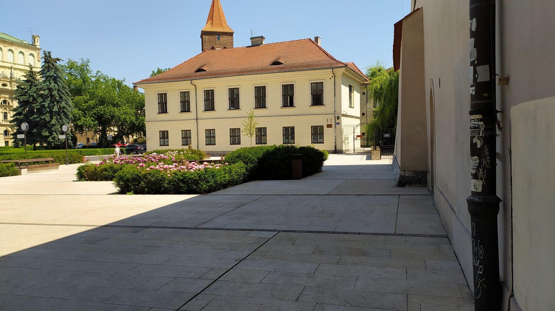Plac św. Ducha Cień.