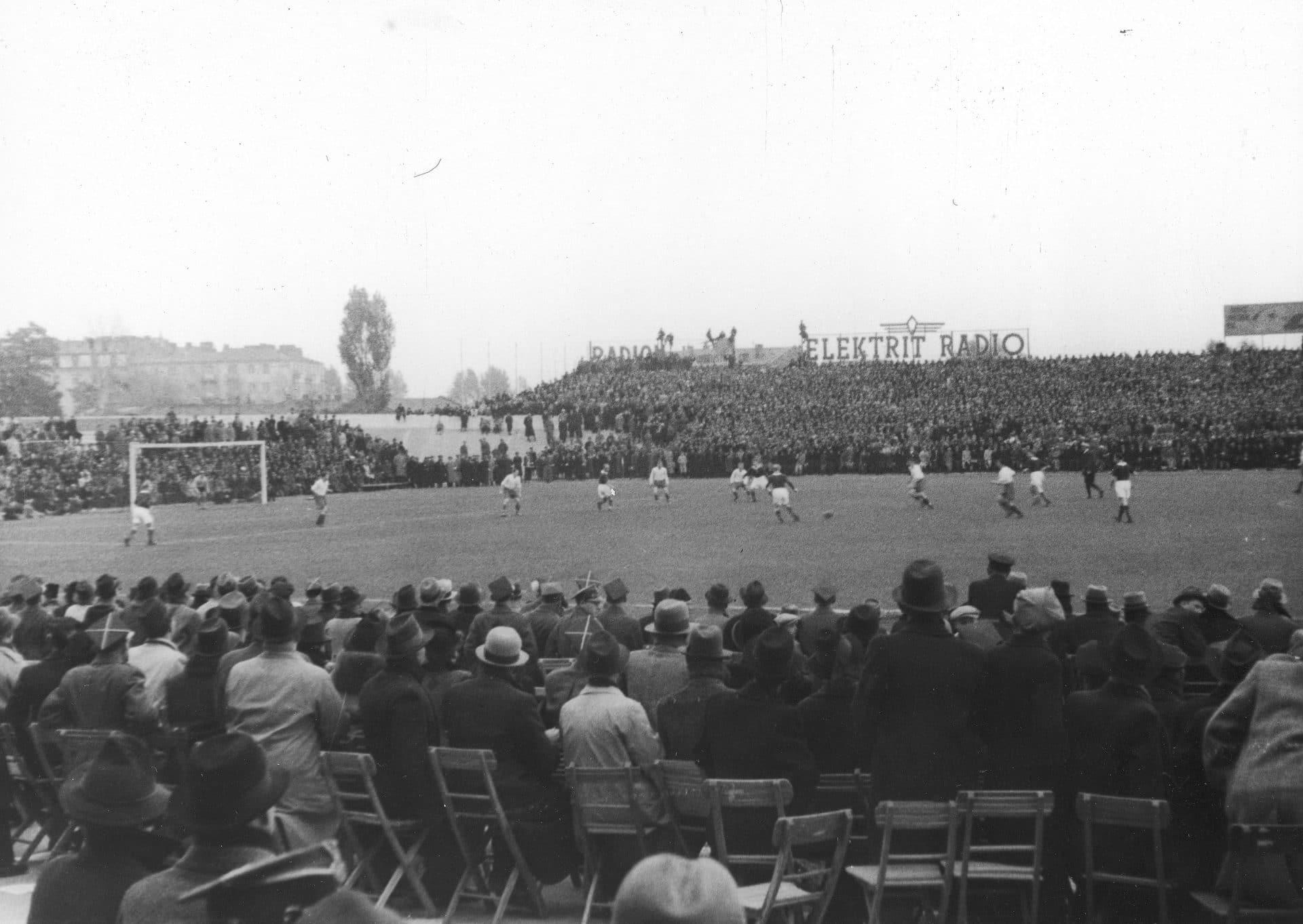 Mecz Polska - Norwegia. 1938 rok. Źródło: Narodowe Archiwum Cyfrowe.