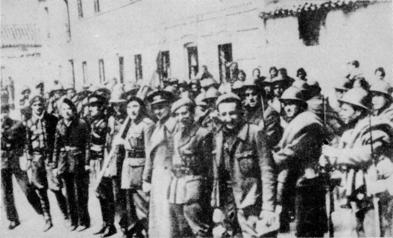 Dąbrowszczacy po bitwie pod Guadalajarą. Artur Trunkhardt pomagał tym, którzy próbowali do nich dołączyć, ale im się nie udało.