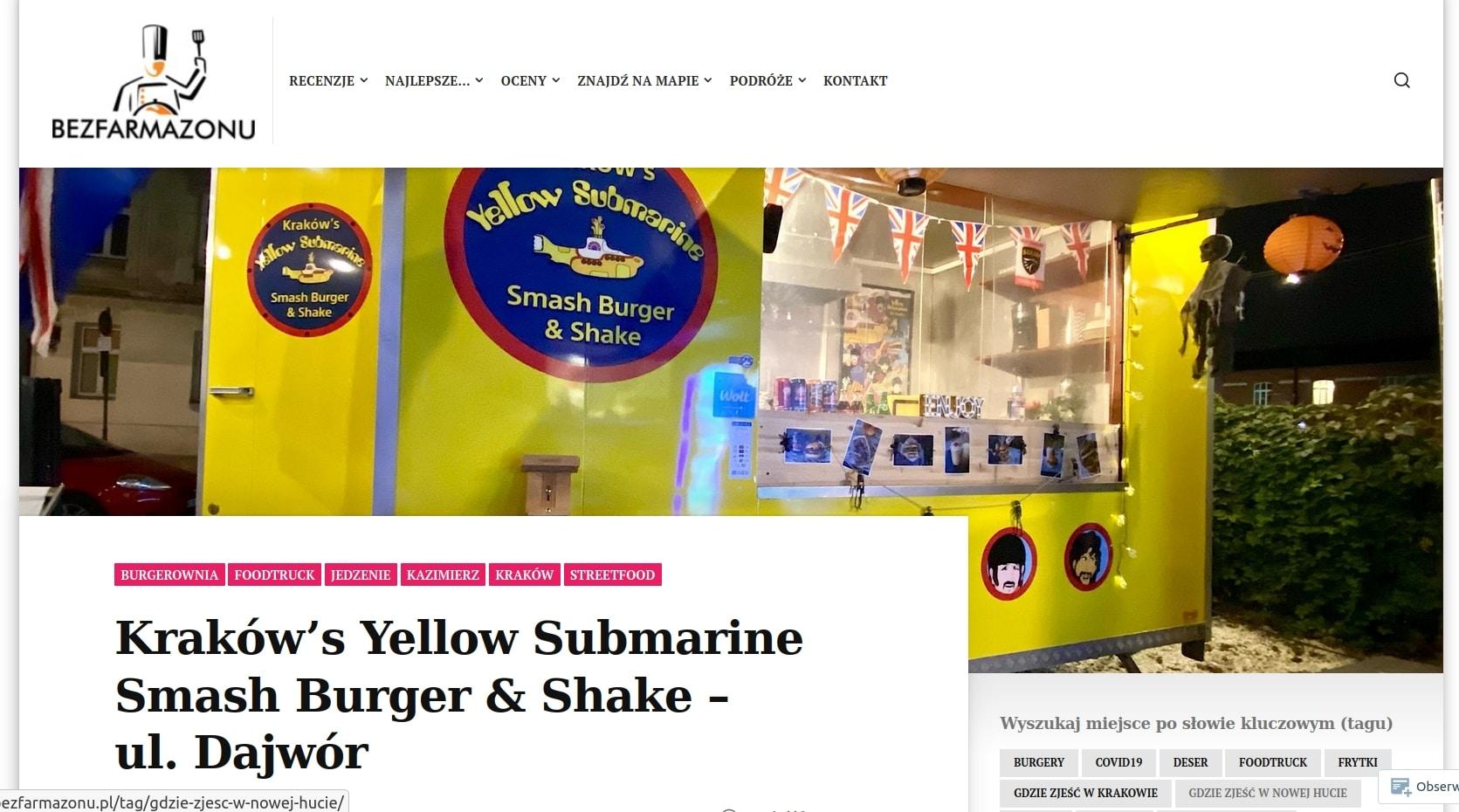 Smash burgery można zjeść w Yellow Submarine. Poleca je bezfarmazonu.pl.